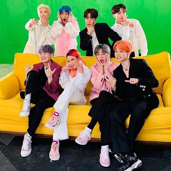 دانلود آهنگ کره ای گروه سال 2019 (بی تی اس) BTS با نام (پسر با لوو) Boy With Luv
