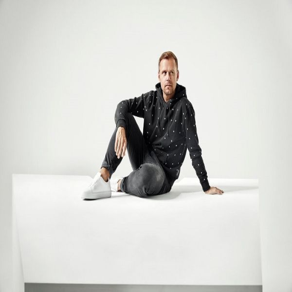 دانلود آهنگ (آرمین ون بورن) Armin van Buuren با نام (آن لاو یو) Unlove You(به همراه ریمیکس Remix)