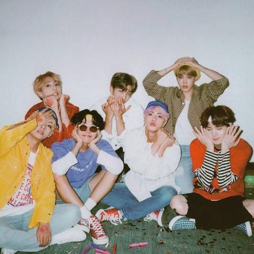 دانلود موزیک ویدیو کره ای گروه (بی تی اس) BTS با نام (آن) ON