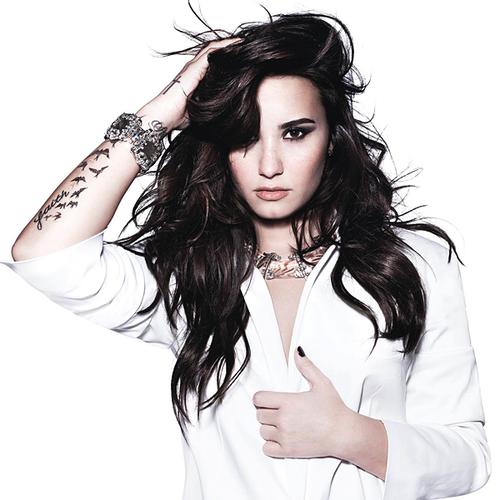 دانلود موزیک ویدیو (دمی لواتو) Demi Lovato با نام (عشق به خودم) I Love Me
