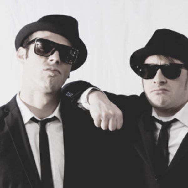 دانلود آهنگ (دی جی فابیو و مون) DJ Fabio & Moon با نام (در حال حرکت) On The Move