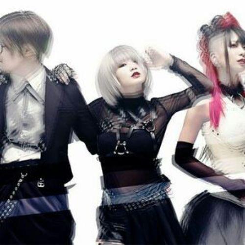 دانلود موزیک ویدیو ژاپنی گروه (ری رول) Reol با نام (گکی حکو) Gekihaku