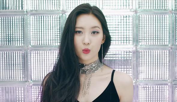 دانلود موزیک ویدیو کره ای(سانمی) Sunmi با نام (گاشینا) Gashina